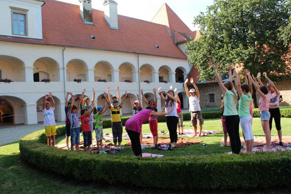 joga-za-otroke-murska-sobota-13