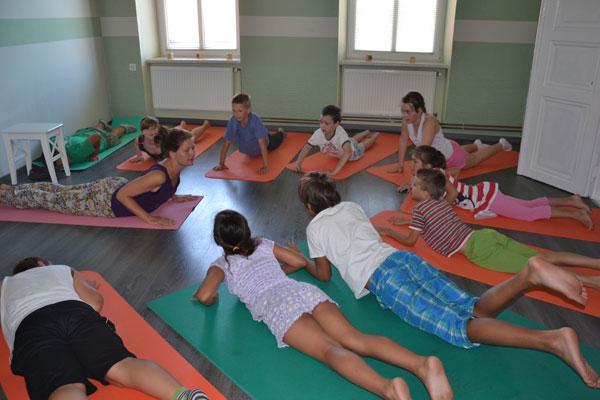 pravljična joga za otroke 1