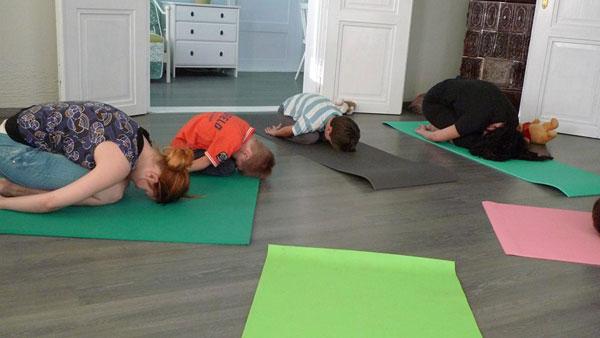 pravljična joga za otroke 2